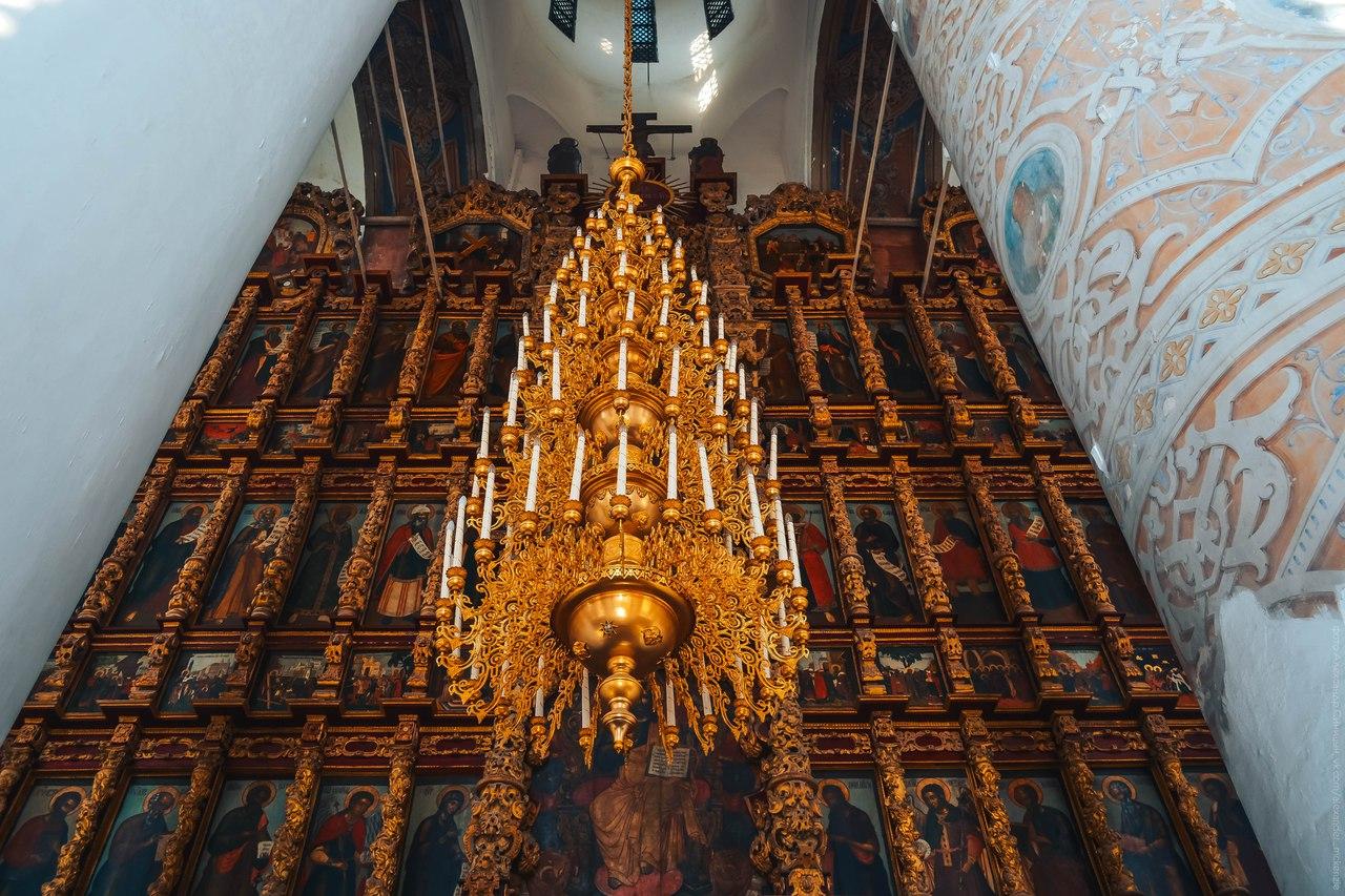 Интерьер Успенского собора в Рязани