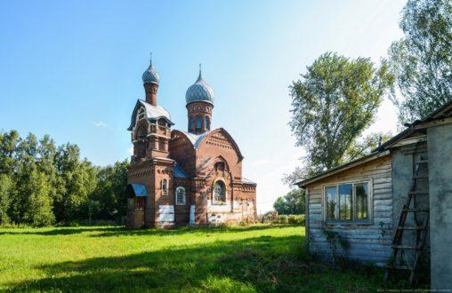 Церковь в селе Ижевское