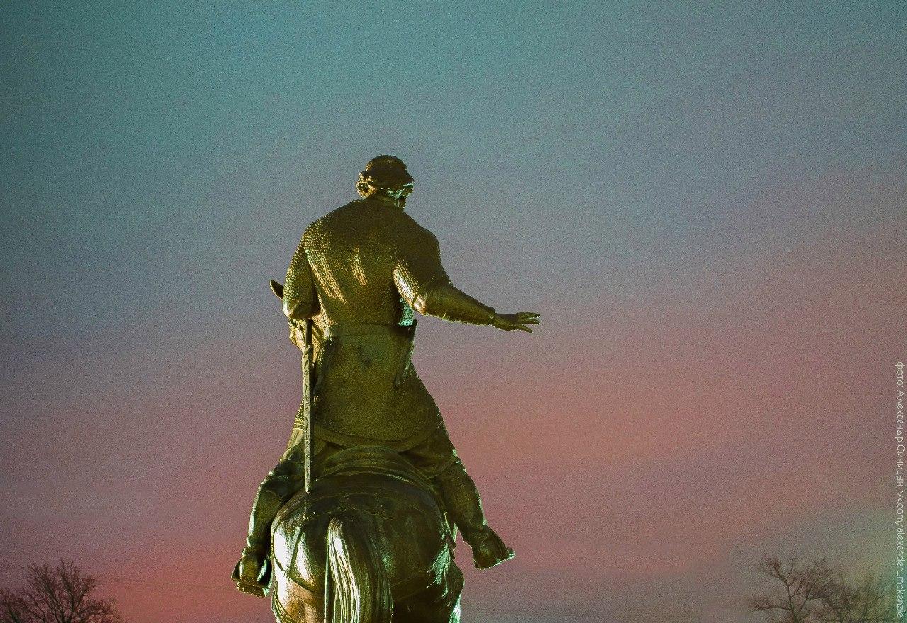 памятник Коловрат Рязань