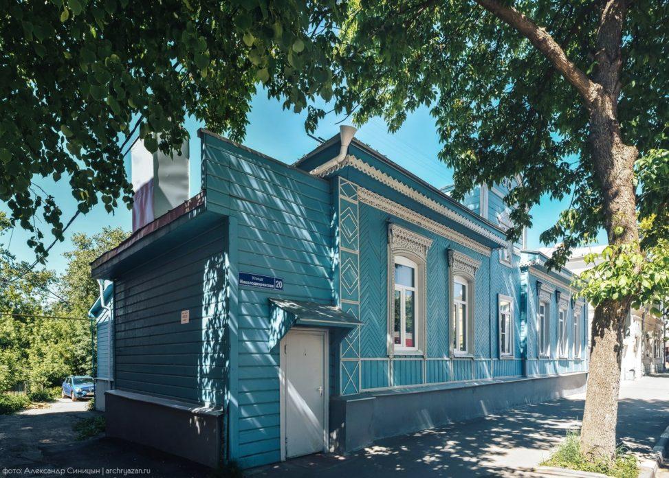 Николодворянская улица деревянный дом